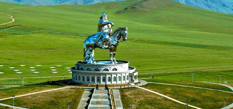 40-метровый памятник Чингисхану, Монголия