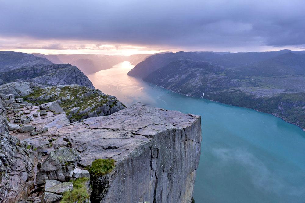 «Кафедра проповедника» — утёс в Норвегии