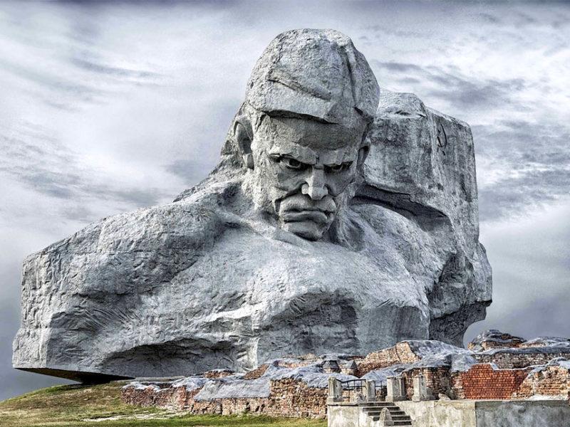 Монумент «Мужество, Брестская крепость